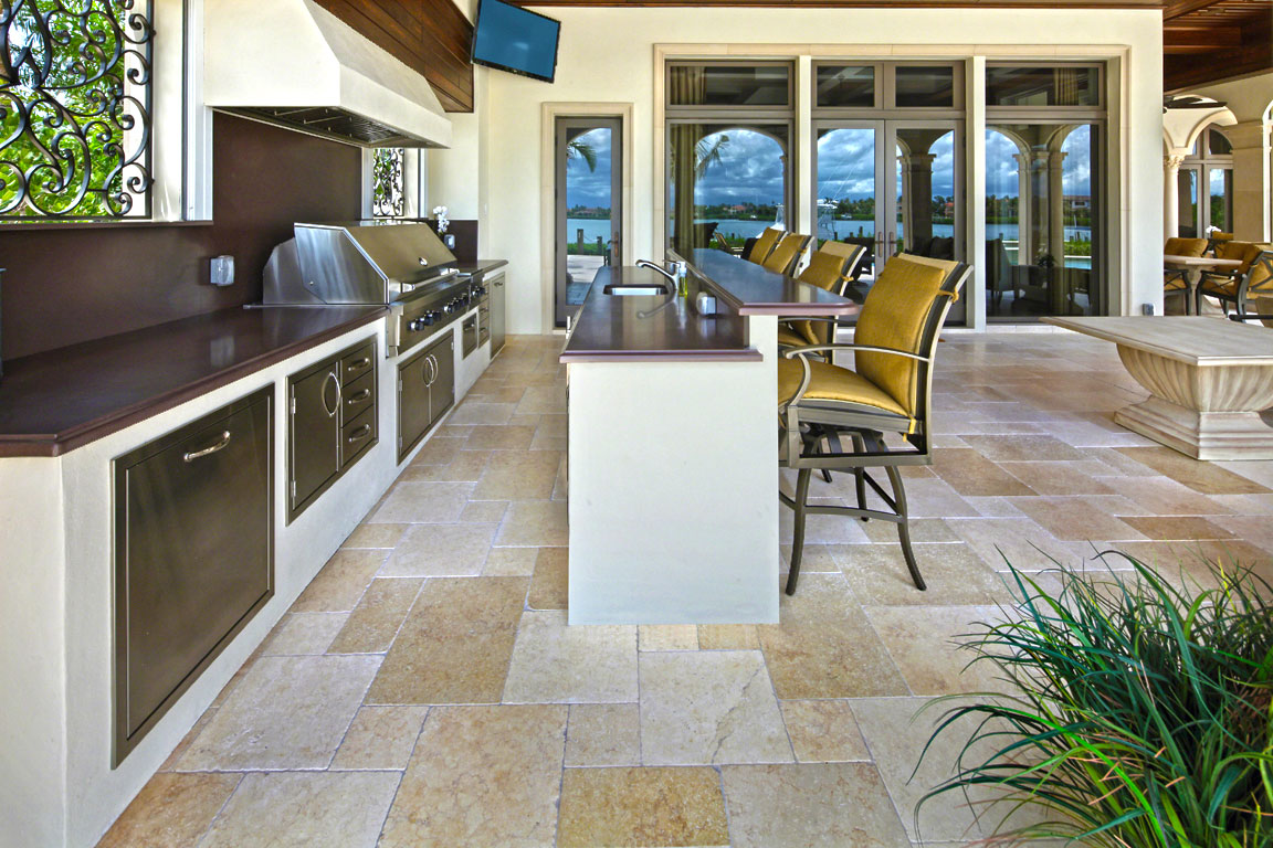 Designing A Beautiful Outdoor Kitchen In Florida Apex Pavers